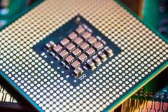 CPU que muestra conexiones en superficie inferior foto de archivo libre de regalías