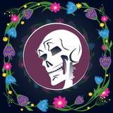 Cráneo con la flor Imágenes de archivo libres de regalías