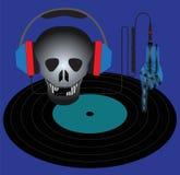 Cráneo con los auriculares y el disco de vinilo Imagen de archivo