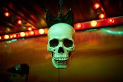 Cráneo del tren de fantasma con el palo imágenes de archivo libres de regalías