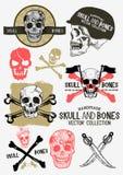 Cráneo y huesos del pirata del vector fijados Fotos de archivo