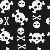 Cráneo y modelo inconsútil de la bandera pirata ilustración del vector