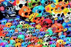 Cráneos mexicanos pintados Fotografía de archivo