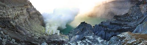 Cráter de Ijen Fotos de archivo libres de regalías
