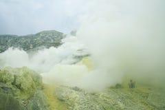 Cráter de Kawah Ijen - East Java Imágenes de archivo libres de regalías