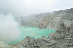 Cráter de Kawah Ijen - East Java, Indonesia Foto de archivo libre de regalías