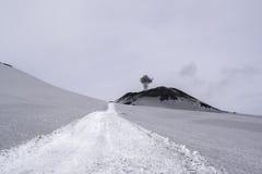 Cráter del Etna en Sicilia Foto de archivo libre de regalías