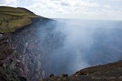 Cráter del volcán Fotos de archivo libres de regalías