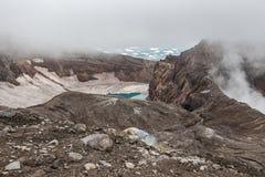 Cráter del volcán de Gorely, Kamchatka, Rusia Imagen de archivo