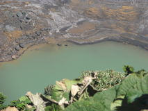 Cráter del volcán de Irazu Imagen de archivo