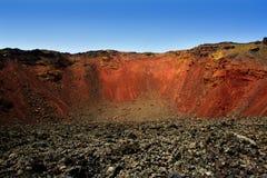Cráter del volcán de Lanzarote Timanfaya en las Canarias Imágenes de archivo libres de regalías