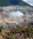 Cráter del volcán de Poas Fotos de archivo libres de regalías