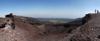 Cráter del volcán del Etna Imagenes de archivo