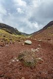 Cráter volcánico rojo, tarawera del soporte, Nueva Zelanda 3 imagen de archivo
