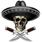 Crâne dans le sombrero avec deux couteaux sur un fond vide Image stock