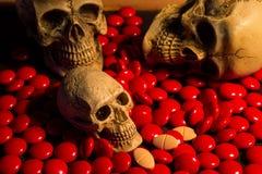 Crâne et médecine Image stock