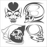 Crânes avec l'ensemble tribal de vecteur d'éléments Photographie stock libre de droits