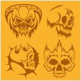 Crânes avec l'ensemble tribal de vecteur d'éléments Photo stock