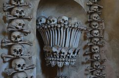 Crânes et os photos stock