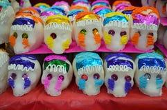 Crânes mexicains de sucrerie pour dia de muertos Images libres de droits