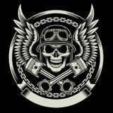 Crânio do motociclista do vintage com o emblema das asas e dos pistões