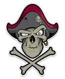 Crânio do pirata no fundo branco Imagens de Stock Royalty Free
