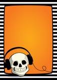 Crânio do quadro de Dia das Bruxas com fones de ouvido Imagem de Stock Royalty Free