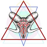 Crânio do Ram com um símbolo geométrico fotos de stock royalty free