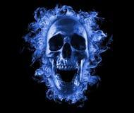 Crânio flamejante no fogo azul ilustração do vetor