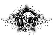 Crânio nos fones de ouvido, nos óculos de sol e nos testes padrões ilustração royalty free