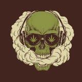 Crânio que fuma uma marijuana Imagem de Stock Royalty Free