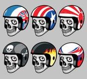 Crânio que veste o vário capacete retro Imagem de Stock