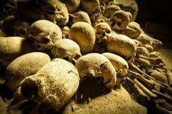 Crânios da Idade Média imagens de stock royalty free