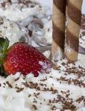 Crème avec la fraise Photographie stock libre de droits