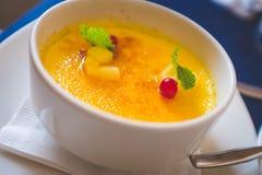Crème brulée - crème brûlée Image stock