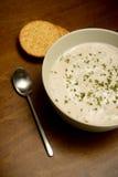 Crème de soupe à champignons sur la table en bois Photos stock