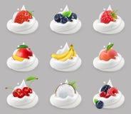 Crème fouettée avec des fruits et des baies, ensemble d'icône de vecteur illustration libre de droits