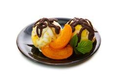 Crème glacée avec l'abricot Image stock