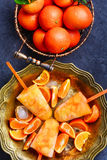 Crème glacée avec la mandarine image stock