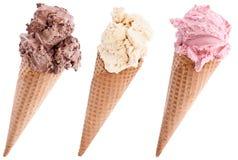 Crème glacée dans gaufres sur le blanc Photographie stock libre de droits