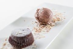 Crème glacée de gâteau et de chocolat Photo libre de droits