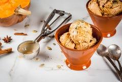 Crème glacée de tarte de potiron image stock