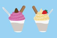 Crème glacée et fruit dans la tasse Photo stock