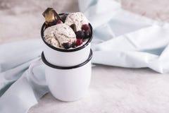 Crème glacée faite maison de stracciatella Image stock