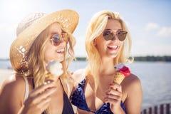Crème glacée froide pour le temps chaud Photo stock