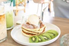 Crème glacée Kiwi Pancake images libres de droits