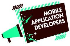 Créateurs d'application mobiles des textes d'écriture de Word Le concept d'affaires pour créent le logiciel pour des dispositifs  Illustration Libre de Droits