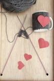 Création d'un réchauffeur romantique de tasse Image libre de droits