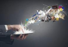 Créativité d'affaires avec un comprimé Images libres de droits