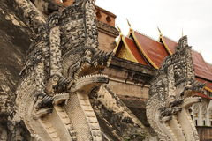 Créature de Lanna Mythical chez Wat Chedi Luang, Chiang Mai Image stock